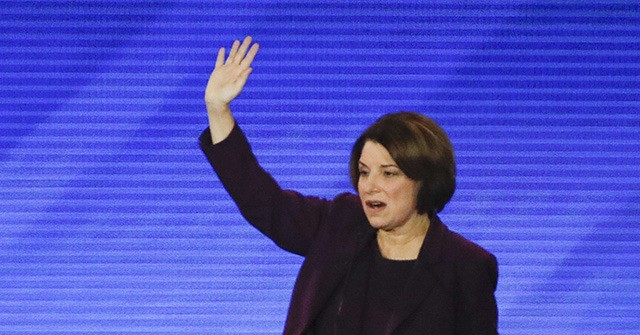 Klobuchar Lone Dem to Raise Hand when Asked About Socialism Concerns